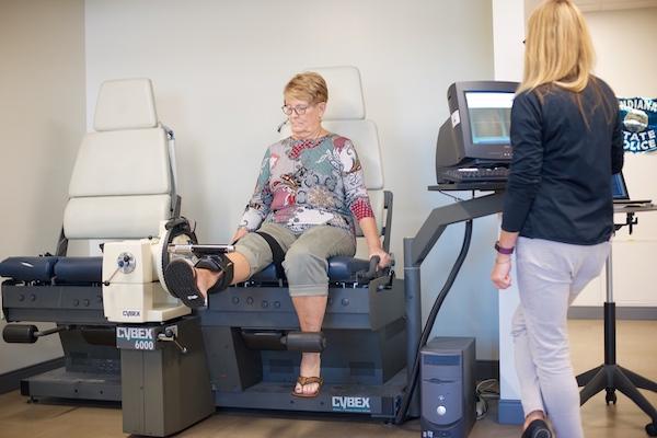 knee-rehab-female